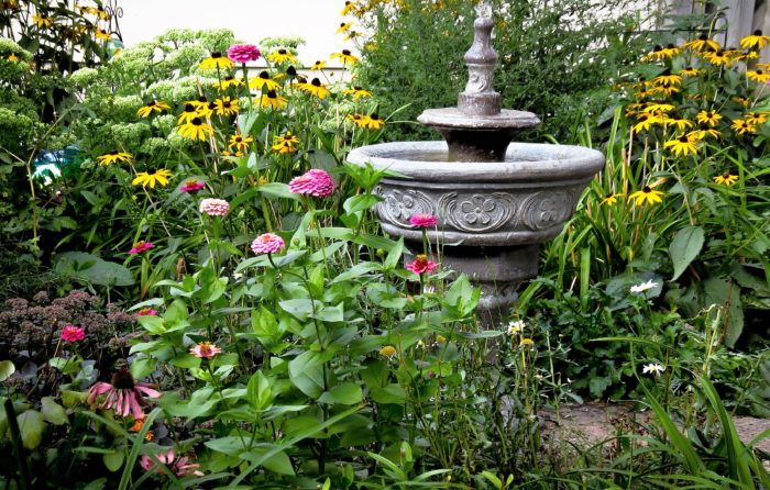 Photo of a garden for an article about local weekend events.