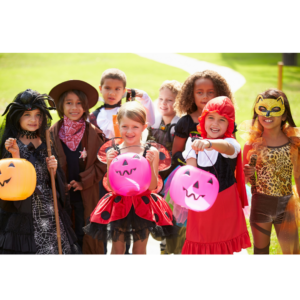 Photo of kids on Halloween for an article on trick or treating hours.