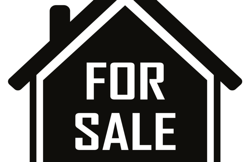 Graphic of a home for sale sign for an article about pricing a home right.